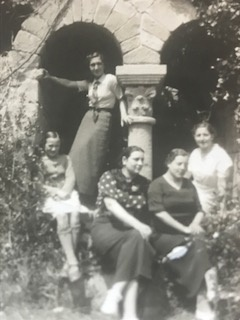 La mare a Sant Benet